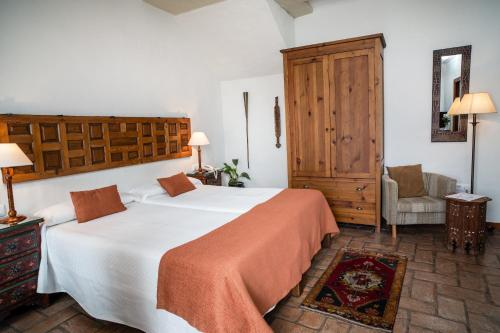 Double or Twin Room Hotel La Casa del Califa 9