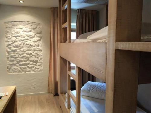 Habitación Cuádruple con ducha Hotel Santa Cristina Petit Spa 1