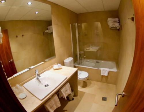 Habitación Familiar Estándar Hotel Santa Cristina Petit Spa 3