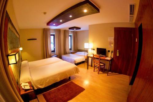 Habitación Familiar Estándar Hotel Santa Cristina Petit Spa 1
