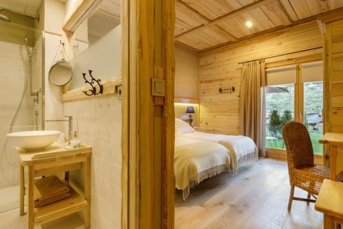 Superior Double Room Hotel Viñas de Lárrede 11