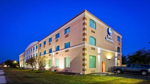 Best Western Airport Inn & Suites Cleveland