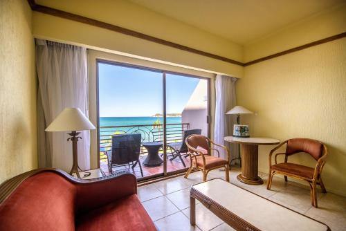 Superior Double Room with 2 Double Beds with Sea View