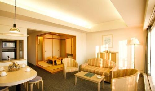 Standard Twin Room with Tatami Area - Non-Smoking