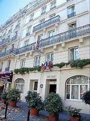 H tel prince h tel 66 avenue bosquet 75007 paris for Hotels 75007
