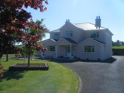 Photo of Tir Na Nog B&B Hotel Bed and Breakfast Accommodation in Cashel Tipperary