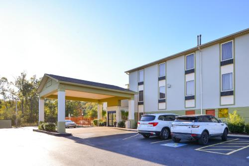 America's Best Value Inn & Suites-Clinton