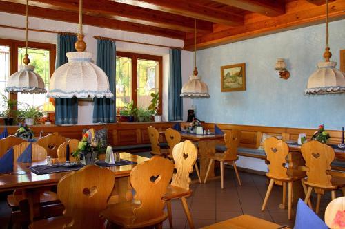 gasthof alte schreinerei rothenburg ob der tauber. Black Bedroom Furniture Sets. Home Design Ideas