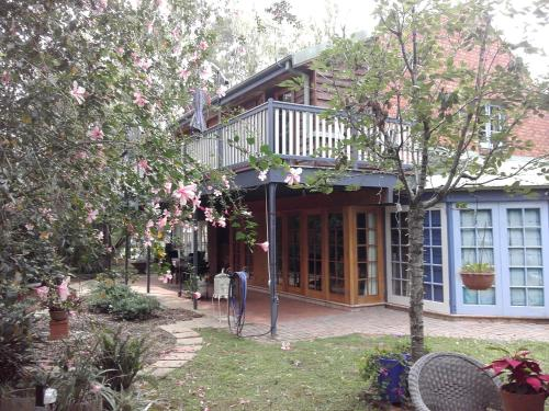 Berry Cottage Nature retreat in town