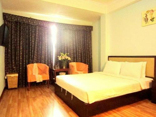 EM & EM Hotel - Bui Thi Xuan Street | Vietnam Hotels Cheap