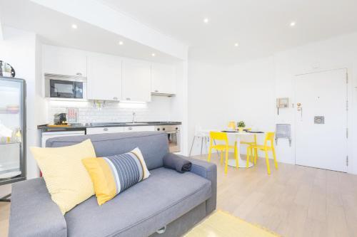Estoril Cozy Beach Apartment