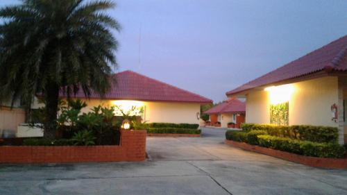Ploy Resort Nangrong