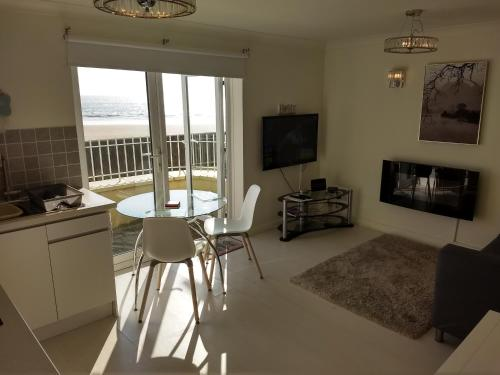 Property Image 3 Luxury 2 Bed Home In Deal S Conservation Area Yards From The Beach