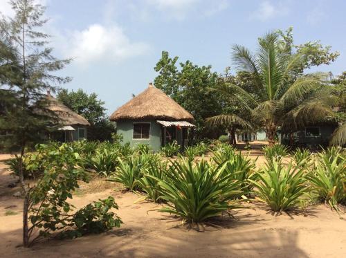 The Akwidaa Inn, Akwida