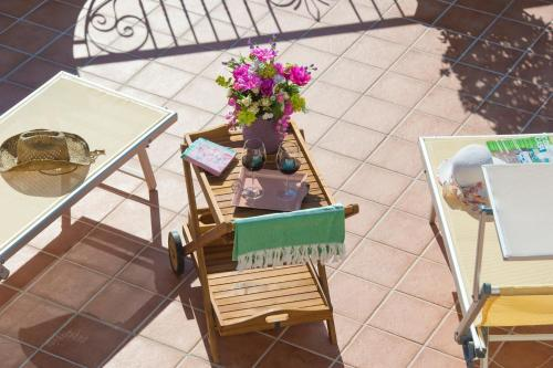 Appartement mit Terrasse (Apartment with Terrace)