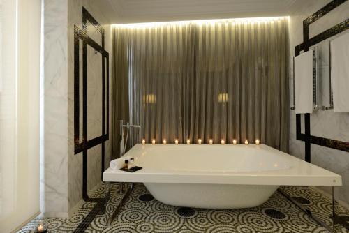 Luxury Suite Hotel Único Madrid 4