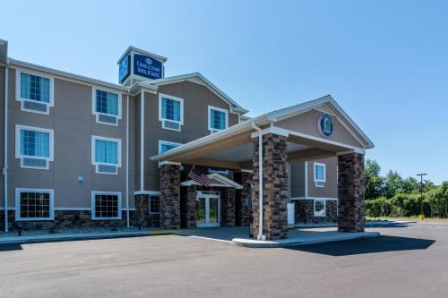 Cobblestone Hotel & Suites - Greenville