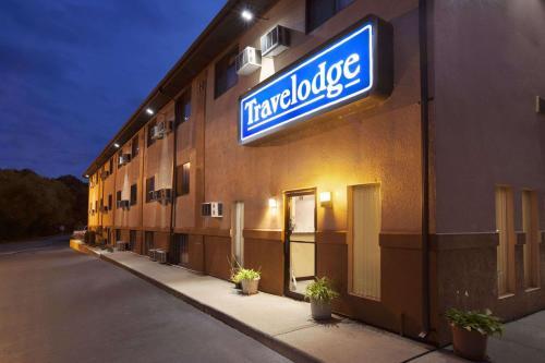 Travelodge by Wyndham La Porte/Michigan City Area