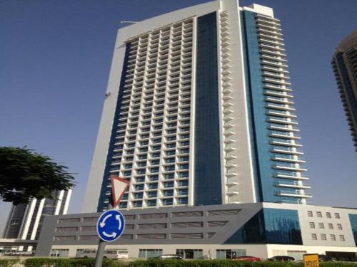 Express Holiday Homes - Burj Al Nujoum, Dubai