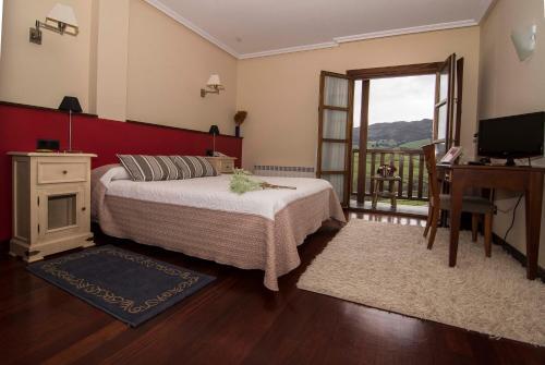 Habitación Triple con vistas Hotel Puerta Del Oriente 17