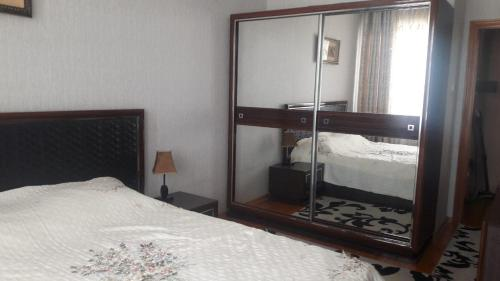 Two room apt, near CUM, Dushanbe