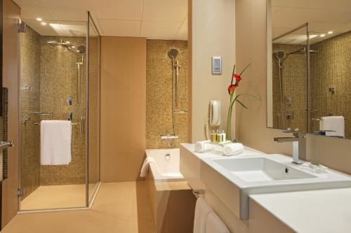 Book Cosmopolitan Hotel Dubai Dubai, United Arab Emirates