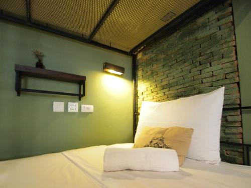 Bed in 6-Bed Mixed Dormitory Room (Shared Bathroom)