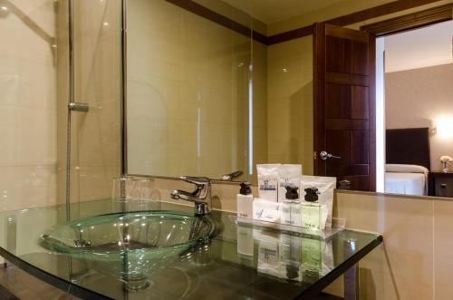 Habitación Doble con aparcamiento incluido Palacio San Facundo 6