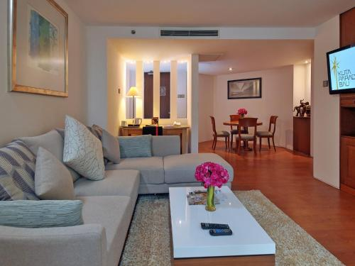 Garden View Suite with Free Airport Transfer