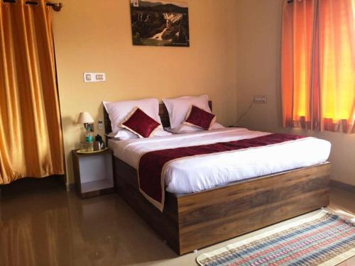 KSTDC Hotel Mayura Bharachukki, Shivanasamudra