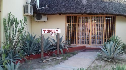 Topoly, Oshakati