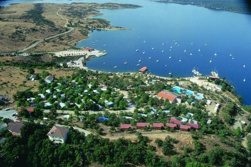 Camping de Cervera de Buitrago