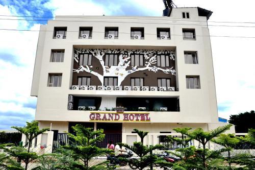 Lumbinis Grand Hotel