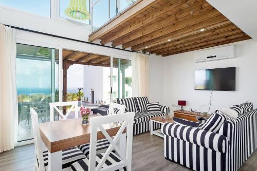 Joya Cyprus Stargazer Garden Apartment, Ayios Amvrosios