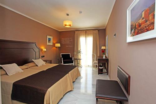Double or Twin Room with Sea View Hotel La Fonda 6