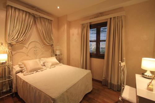 Suite Apartamento 2 dormitorios Casa Baños de la Villa 2
