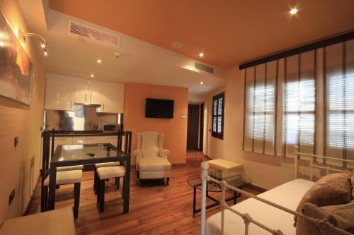 Suite Apartamento 2 dormitorios Casa Baños de la Villa 4