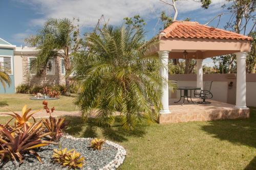 Big vacational house in Isabela / Aguadilla - Moca