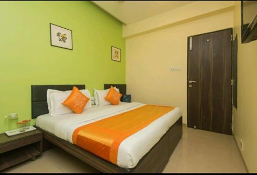 Deluxe Double Room - Exterior view New Star Management