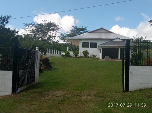 Sky View Holiday Home, Apia