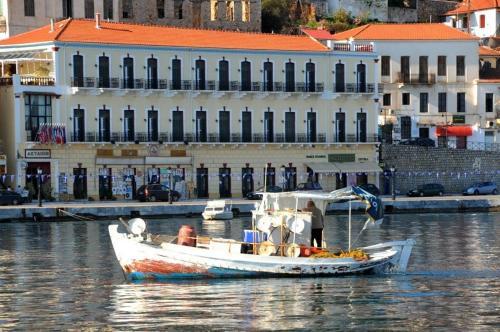 Aktaion City Hotel