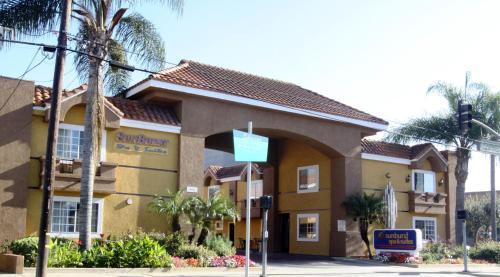 Sunburst Spa & Suites Motel CA, 90230