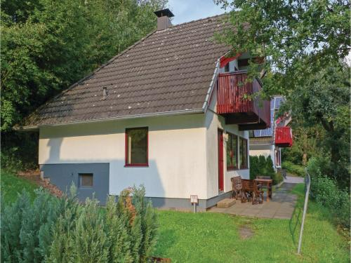 Three-Bedroom Holiday home Kirchheim with a Fireplace 02