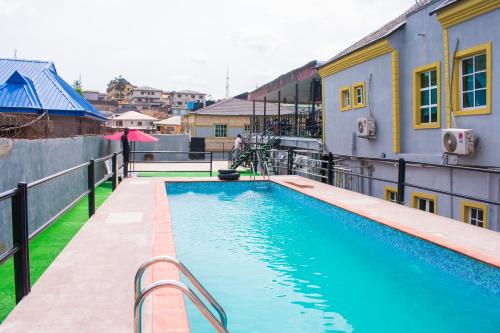 Adesuwa Royal Guest House (Ketu), Lagos