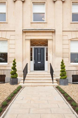 Photo of Portland Apartments Hotel Bed and Breakfast Accommodation in Cheltenham Gloucestershire