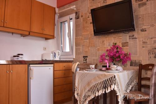 Tonia Apartments, Goúvai