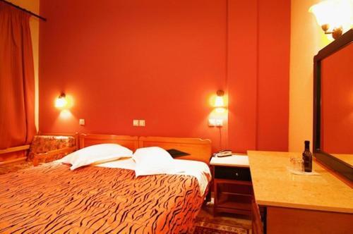Hotel Varonos Delphi Attic Room