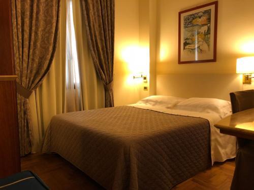 Camera Matrimoniale A Grosseto.Hotel Airone Grosseto Toscana Italia
