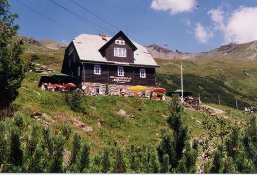 Hochalmblick - Familienzimmer mit Gemeinschaftsbad