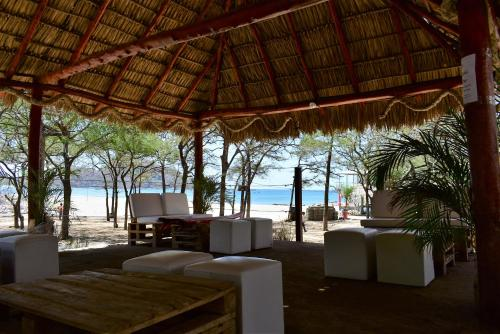 Cascada Hostel & Beach Bar